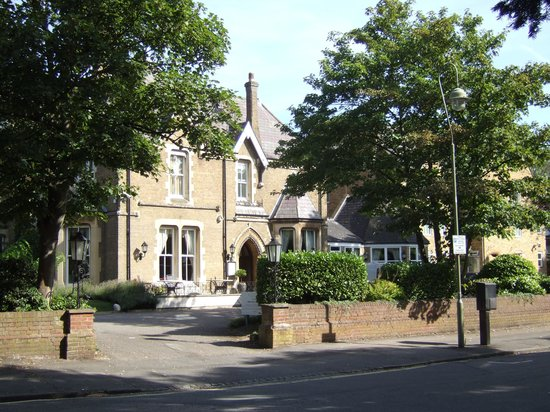 Cotswold Lodge Hotel: Cotswold Lodge from the Banbury road