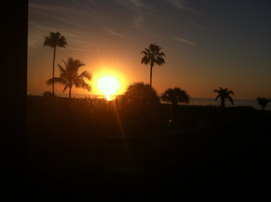 Pelicans Roost : Sunrise from 101 -- beautiful!!