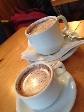 L.A. Burdick : Small and a large hot chocolate
