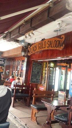 Black Gold Saloon: A welcom sight
