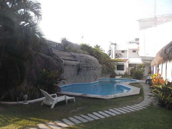 Hotel Alikar: Espace piscine.