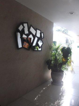 Hotel Alikar: Joliment décoré.