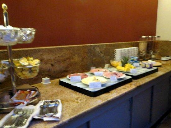 Hotel Acces: Choix fromages charcuterie et fruits ect,,,,parfait