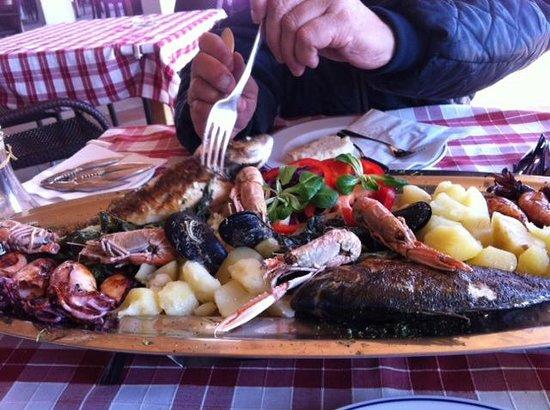 Pivnica Medugorje : Pesce alla griglia per 2 persone