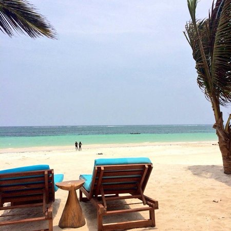Waterlovers Beach Resort : Beach