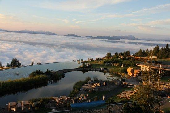 Mountain Resort Feuerberg: Blick auf den Schwimmteich