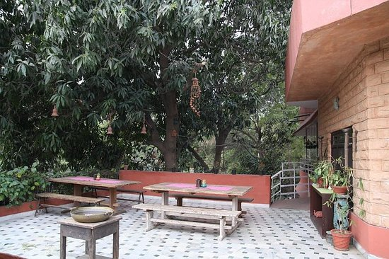 Rudraneel Villa: surroundings