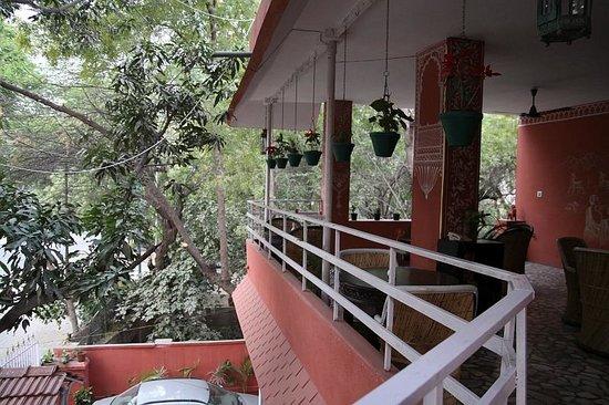 Rudraneel Villa : surroundings