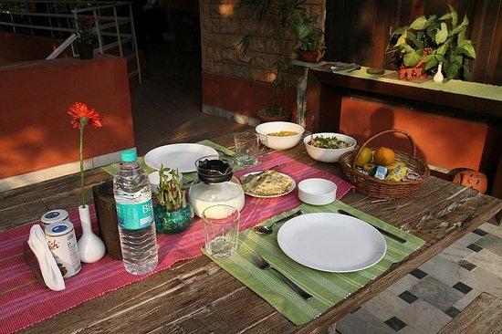 Rudraneel Villa: breakfast