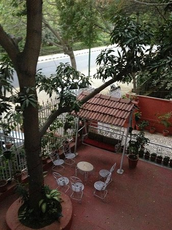 Rudraneel Villa: grounds