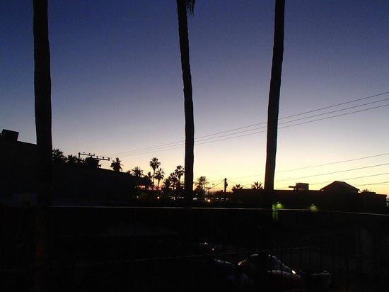 Baja Backpackers: Night time in La Paz