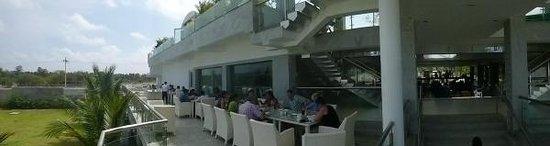 Grande Bay Resort and Spa : Terrace