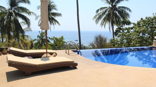 The Rocks Villas : Piscine 1
