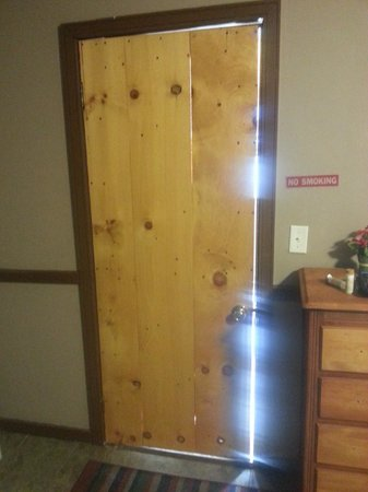 Creekside Court: This shows how poorly constructed/sealed the doors are