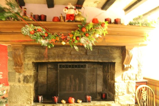 Vaynol Arms: Christmas Decorations