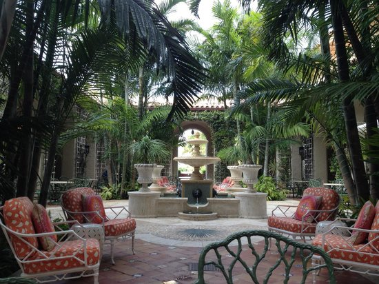 The Breakers: Sitting in the Palm Courtyard