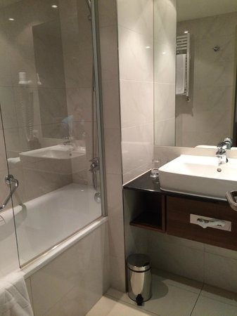 Meliá Luxembourg : Notre salle de bain 303
