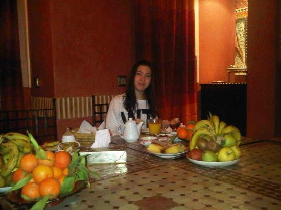 Riad Alili : la cadette avec son petit déj !