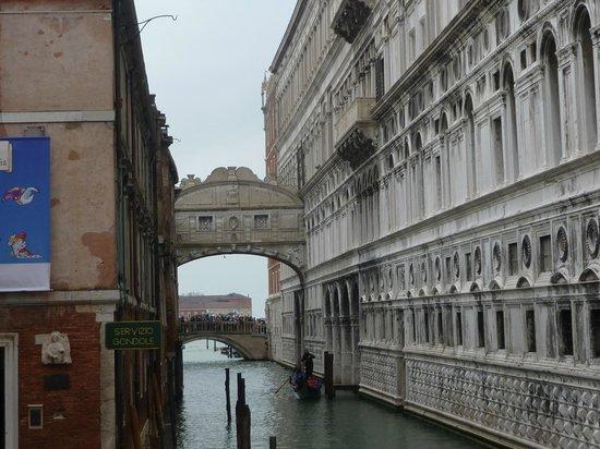 Hotel Italia: Venise... le Pont des Soupirs...