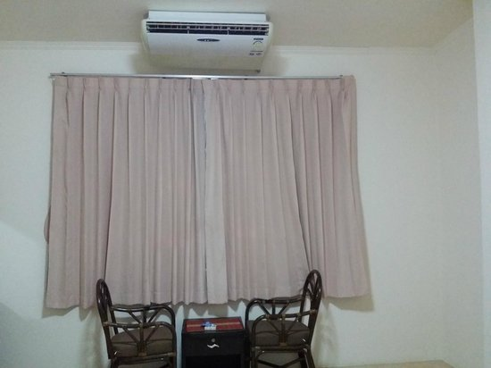 Beach Breeze Guesthouse: Aircon