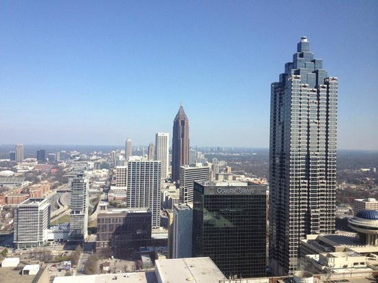 The Westin Peachtree Plaza: Atlanta day facing north