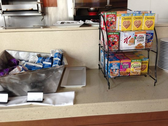 Renaissance ClubSport Aliso Viejo Laguna Beach Hotel: Buffet