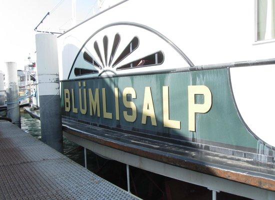 BLS Schifffahrt: Beschriftung am Schiff