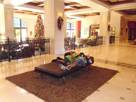 Hard Rock Hotel at Universal Orlando: Fatiguants, les parcs!! Hall