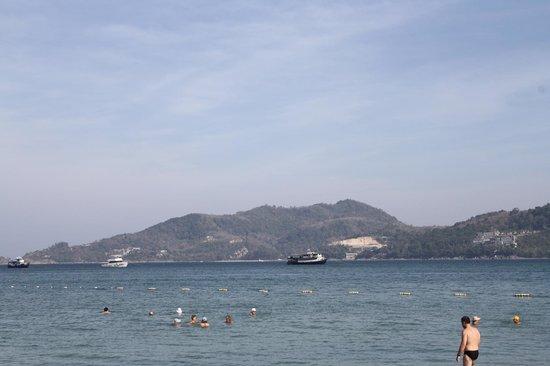 Sleep With Me Hotel: море на Патонге
