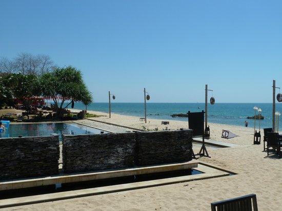 SriLanta Resort: Fontaine and pool