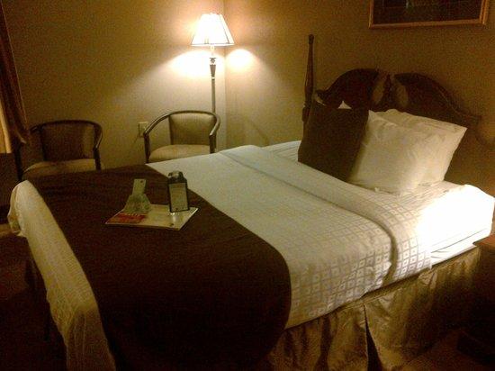 Best Western Plus Russellville Hotel & Suites: Room