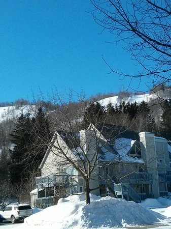 Mountain Springs Resort and Conference Centre: Mtn Springs unit w Blue Mtn North in BG