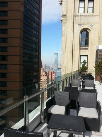 Club Quarters Hotel, World Trade Center: Terrace on the 20th Floor Faces South