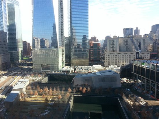 Club Quarters Hotel, World Trade Center: View from Dining Room Faces North overlooking Ground Zero
