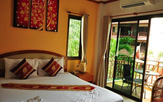 Sai Rougn Residence: room