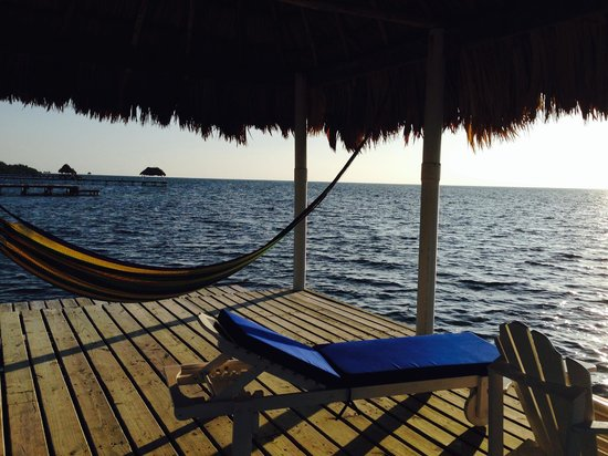 Hol Chan Reef Resort Villas : The palapa at the end of the dock