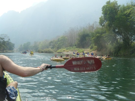 Wonderful Tours Laos: Paddling down the river