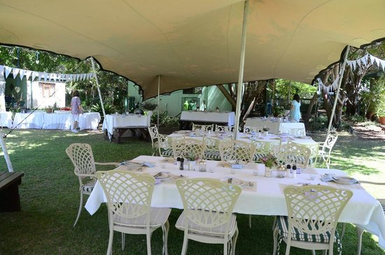 Rainbow Glen Self-Catering Guest Cottages: Inside the wedding tent