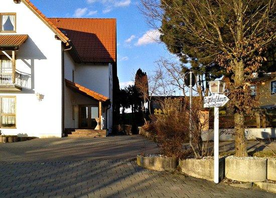 Dasing, Tyskland: Buitenterrein (gedeelte)