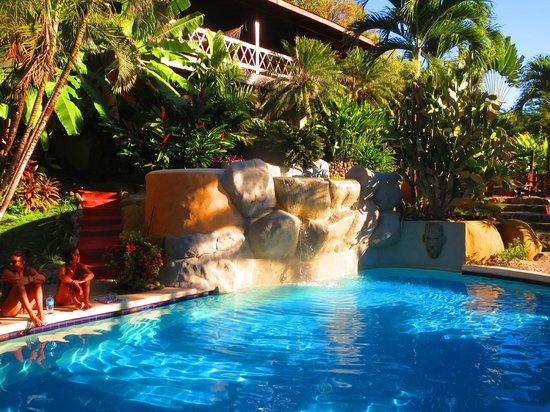 Hotel El Jardin: Blick auf den Pool direkt aus dem Bett