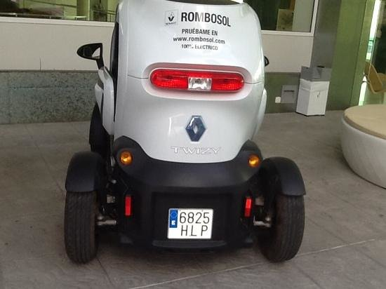 DoubleTree by Hilton Hotel Resort & Spa Reserva del Higueron : the electric car i intend to go in next time