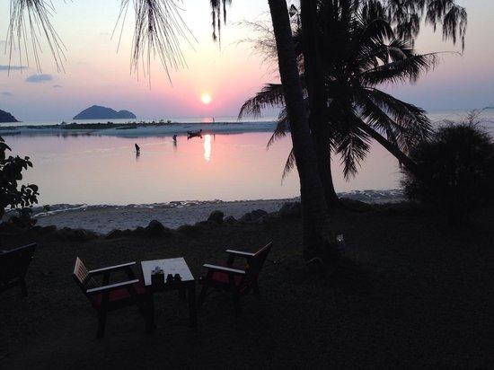 Baan Manali Resort: Sunset @baan manali