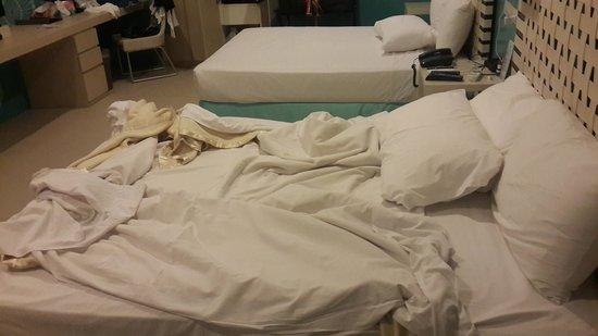 "Astoria Boracay: ""американское"" одеяло без пододеяльника..!"