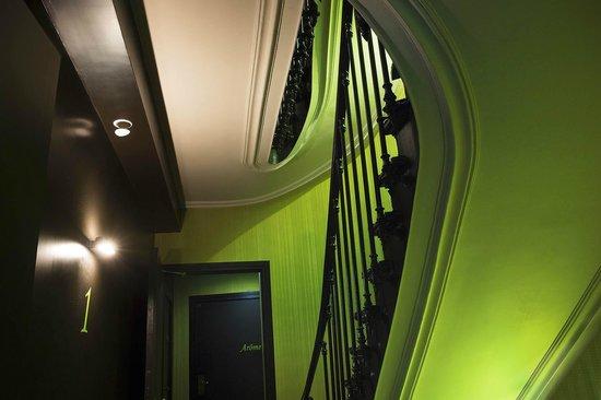 Le Fabe Hotel : Escalier