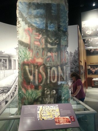 George Bush Presidential Library and Museum: Berlin Wall