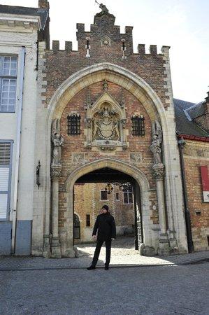 Historic Centre of Brugge : старые ворота