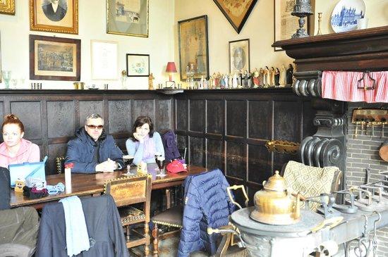 Historic Centre of Brugge : пивной ресторанчик