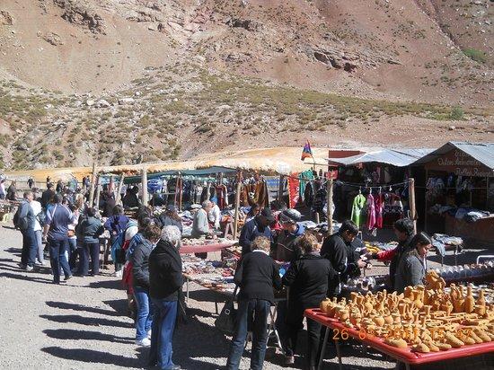 Hotel Cordon del Plata: Feria en Puente del Inca
