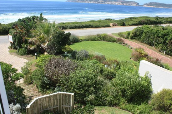 The Robberg Beach Lodge: Blick aus dem Fenster der Beachy Head Villa