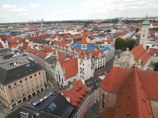 St. Peter's Church: ペーター教会の塔の上から見たミュンヘン市街